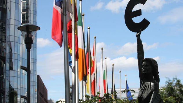 KE oczekuje od Polski rozwiązania kryzysu, który toczy się wokół TK (fot. Mark Renders/Getty Images)