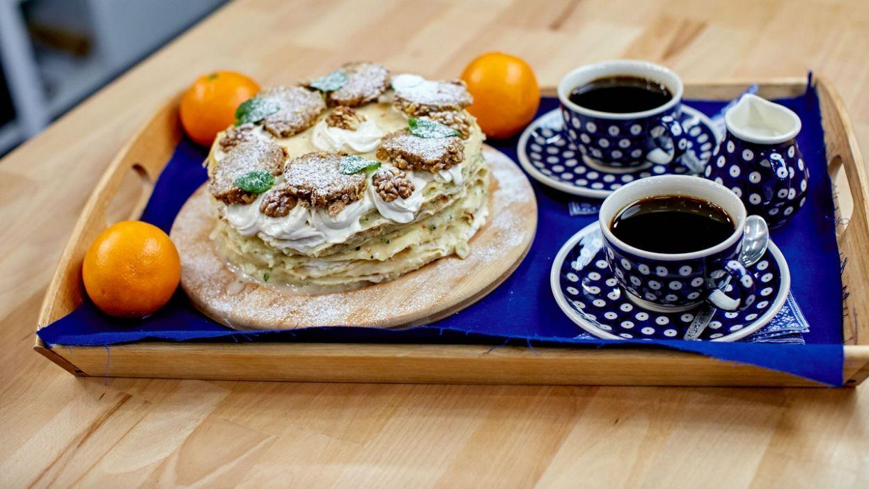 Przerwa na kawę i ciasto orzechowe Oli (fot. TVP)