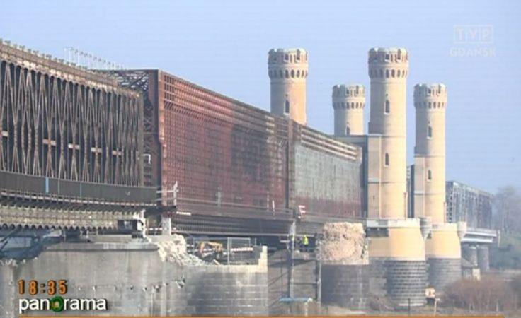 Pożar zabytkowego mostu w Tczewie