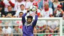 Jak zwykle, najwyżej po piłkę skakał Petr Cech (fot. Getty)