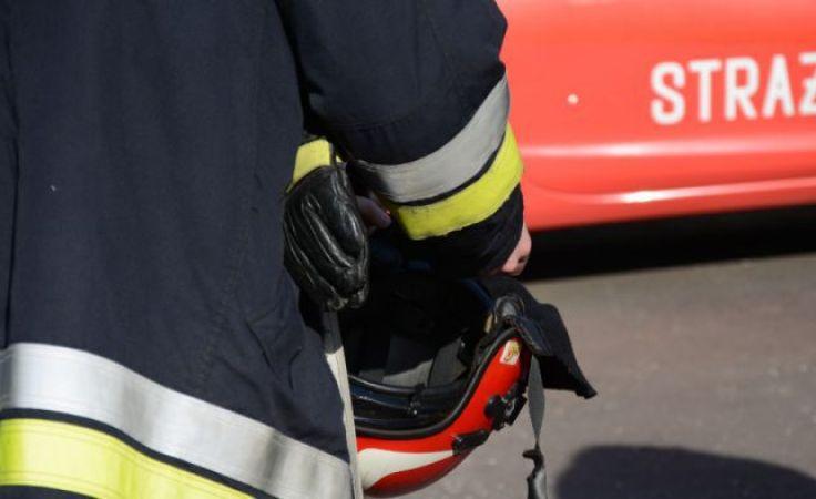 Strażacy przyszli z pomoca pechowemu spacerowiczowi