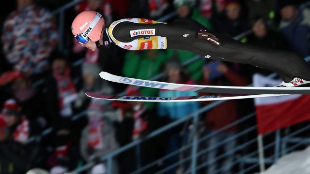 Polacy walczą w konkursie drużynowym w Zakopanem [TRANSMISJA]