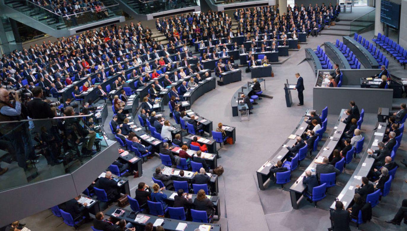 Niemieckie partie nie potrafią stworzyć koalicji rządzącej, ale w sprawie poborów się dogadały (fot. Carsten Koall/Getty Images)