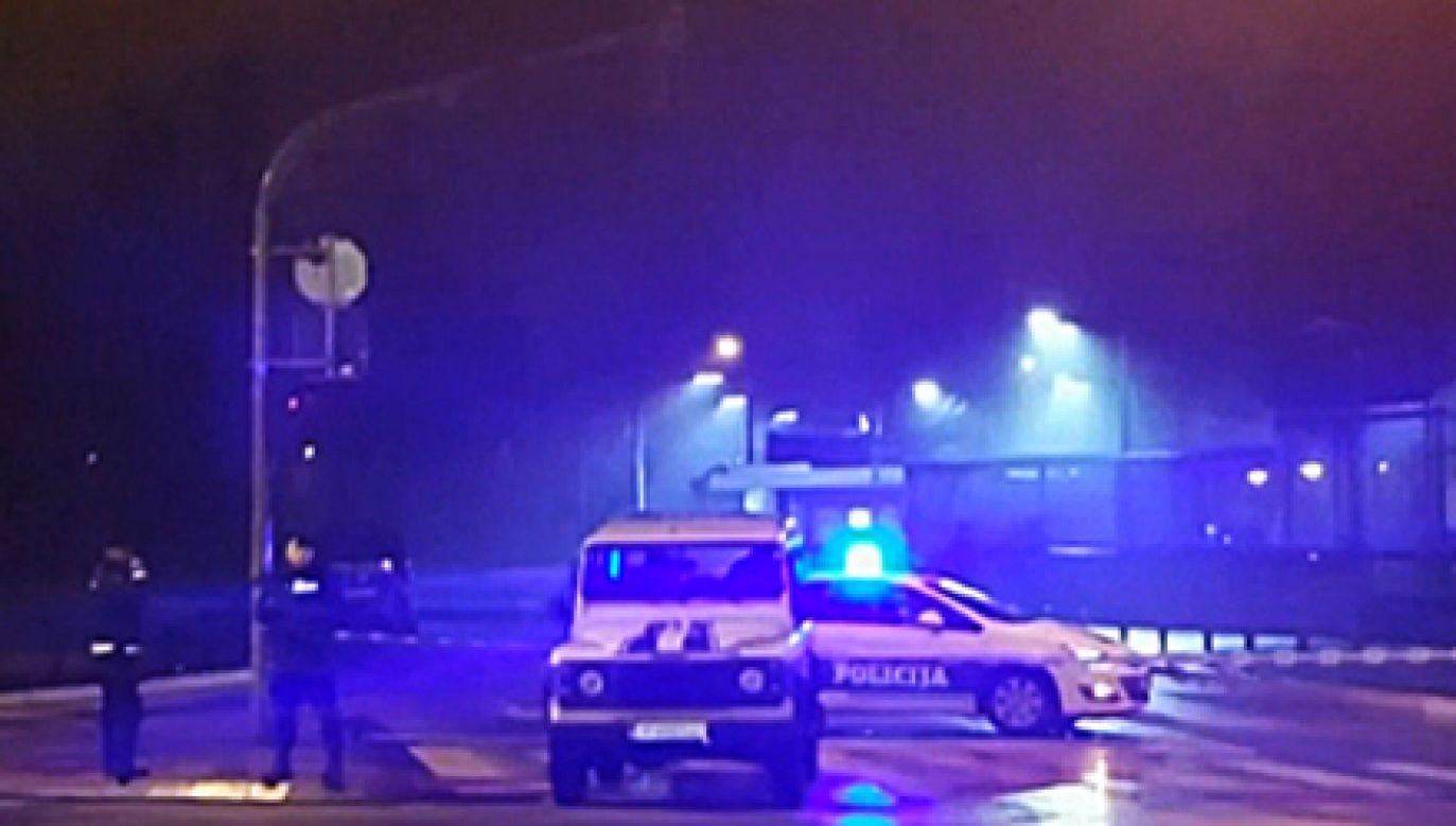 Przed ambasadą USA w Podgoricy sprawca zdetonował ładunek wybuchowy (fot. TVP Info)
