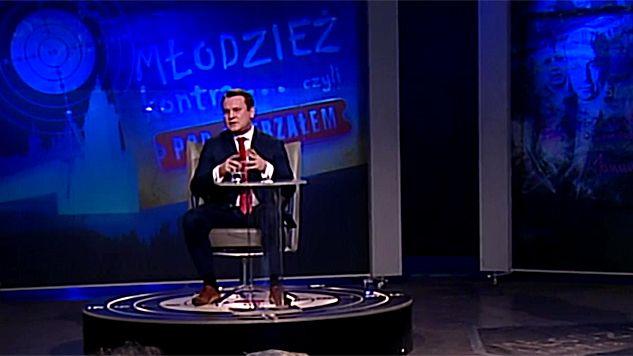 """Dominik Tarczyński był gościem programu """"Młodzież kontra"""" (fot. TVP Info)"""