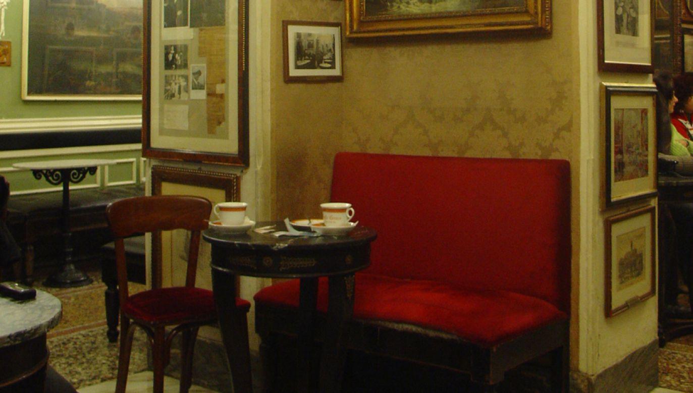 W salach kawiarni znajduje się około 300 obrazów (fot. Wikimedia Commons/LluisdeZamora)