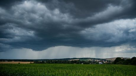 Synoptycy ostrzegają przed gwałtownymi zjawiskami atmosferycznymi
