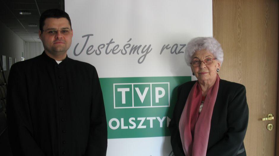 Maria Obolewicz (mieszkanka Olsztyna) i ks. Marcin Sawicki (dyrektor Radia Plus Olsztyn).