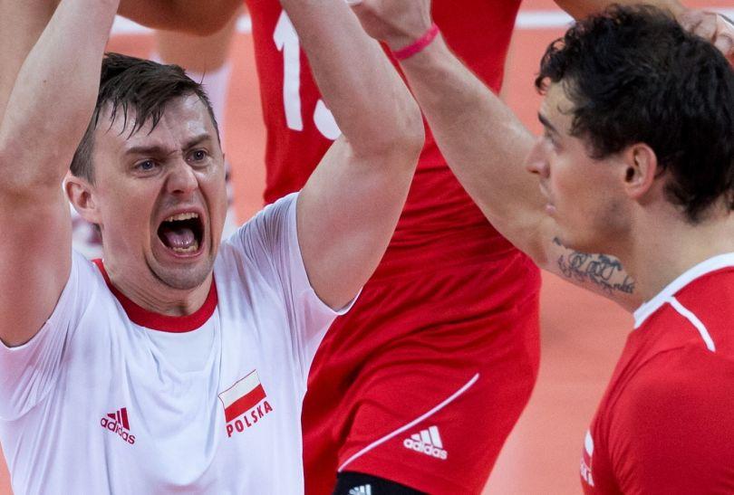 Zadowolony Krzysztof Ignaczak po udanej obronie (fot. PAP/Adam Ciereszko)