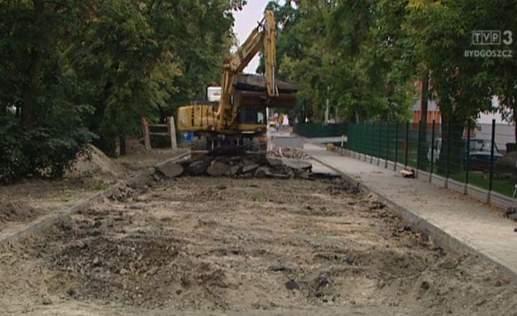 Przeciąga się remont zalanej ulicy na Bartodziejach