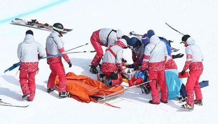Ski cross to nie bułka z masłem.  Niebezpieczny upadek  na olimpijskim torze