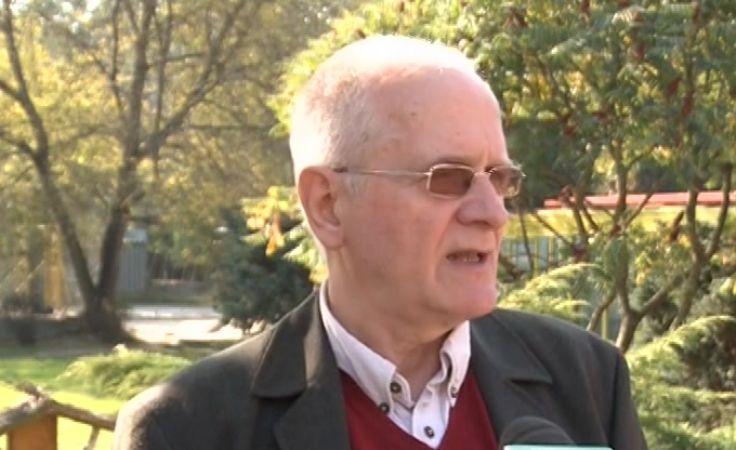 Kandydat Czabański o programie mówi w schronisku dla zwierząt