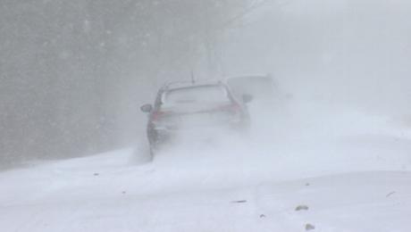 Trudne warunki na drogach, wróciła zima