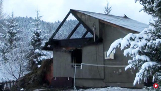 """Dzięki matce czwórka dzieci ocalała z pożaru. """"Zostały w tym, co mają na sobie"""". Teraz potrzebują pomocy"""