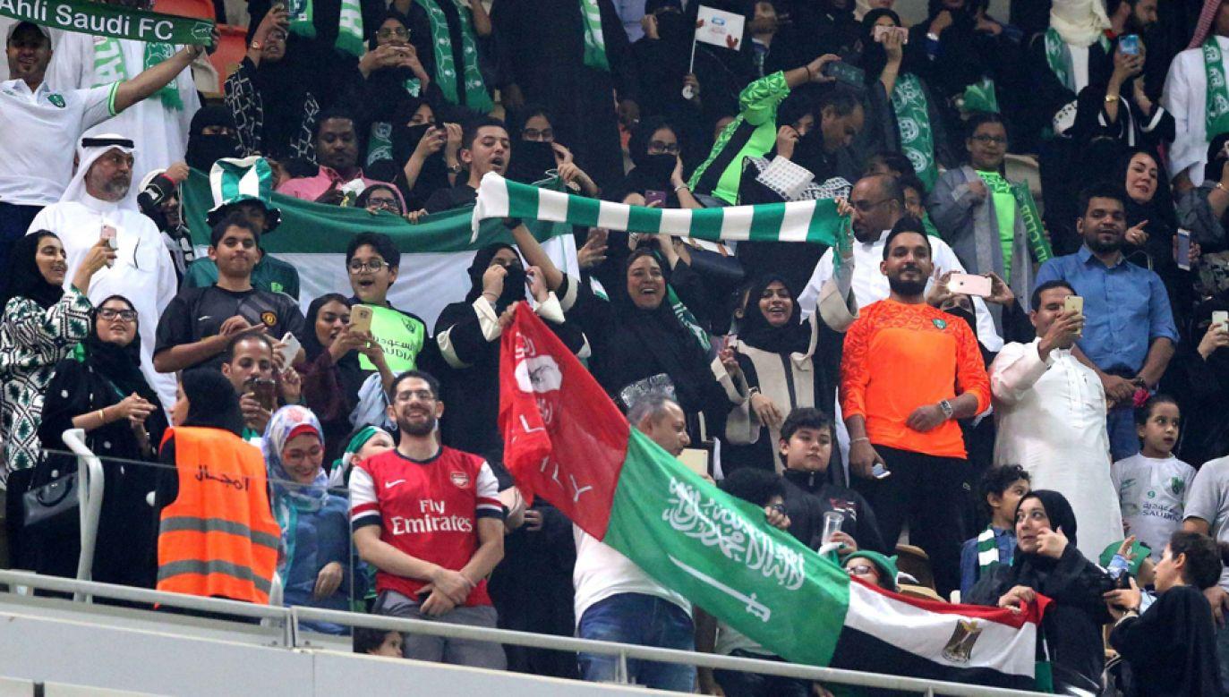Kobiety w Arabii Saudyjskiej po raz pierwszy obejrzały mecz na stadionie (fot. PAP/EPA/STR)