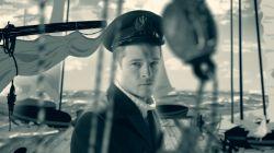 Jan Grudziński, dowódca okrętu ORP Orzeł, podczas kampanii wrześniowej podjął brawurową próbę ucieczki z okupowanego portu w Tallinie. Bez map i przyrządów nawigacyjnych bezpiecznie dopłynął ze swoimi ludźmi aż do wybrzeży Anglii.