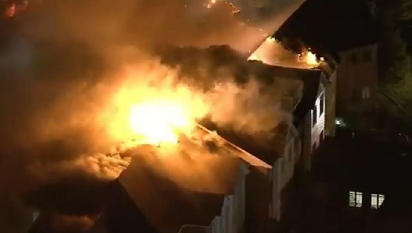 Nie wiadomo co było przyczyną pożaru (fot. PrintScreen @USATODAY, Twitter)
