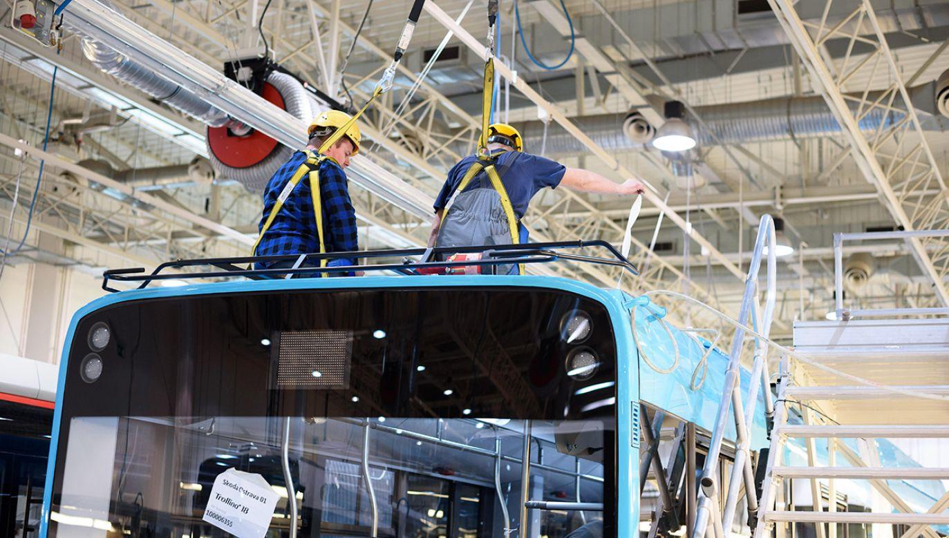 Fabryka autobusów firmy Solaris Bus & Coach S.A. (fot. arch.PAP/Jakub Kaczmarczyk)