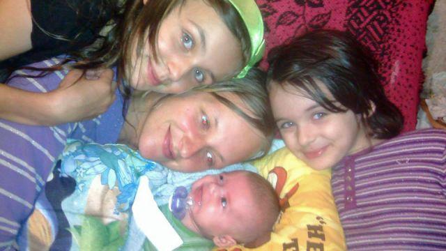 """""""Moja córka mnie nie poznaje"""". Stracili trójkę dzieci przez… bałagan w mieszkaniu"""