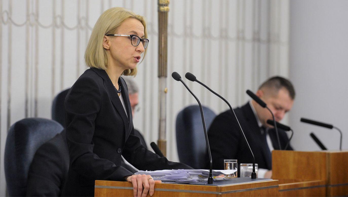 Minister finansów Teresa Czerwińska wskazała, że powstanie rzecznik praw podatnika (fot. PAP/Marcin Obara)