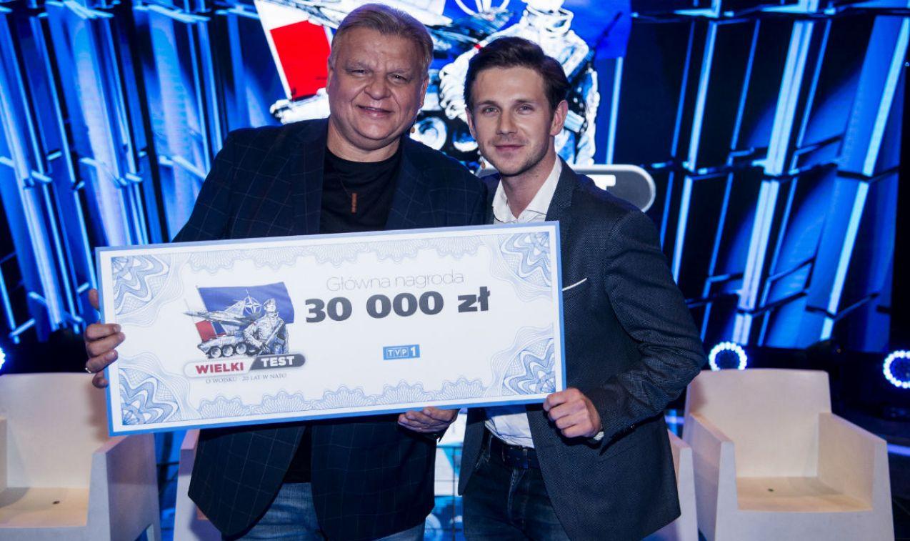 Nagroda trafi na konto wskazanej przez zwycięzców fundacji charytatywnej (fot. J. Bogacz/TVP)