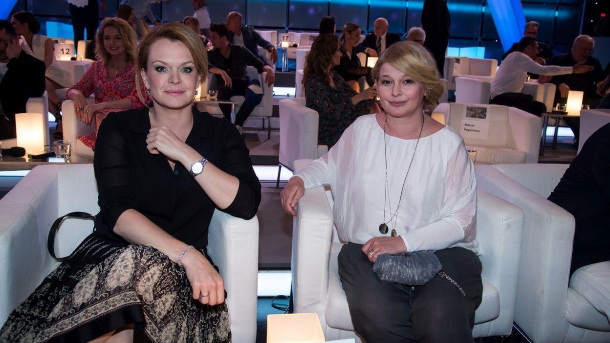 Daria Widawska i Dominika Ostałowska – czy domyśliły się, jaki wiersz wygłoszono na pogrzebie poety? (fot. Jan Bogacz/TVP)