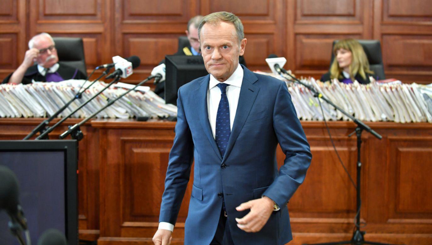 B. premier, przewodniczący Rady Europejskiej Donald Tusk zeznawał w sądzie jako świadek w procesie m.in. b. szefa KPRM Tomasza Arabskiego (fot. PAP/Bartłomiej Zborowski)