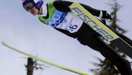 Retro igrzyska: pierwszy skok Małysza na normalnej skoczni w Vancouver