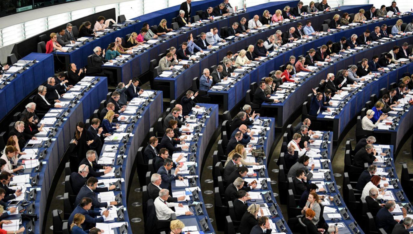 W rezolucji znalazły się zapisy o potrzebie ochronie dziennikarzy (fot. PAP/EPA/PATRICK SEEGER)