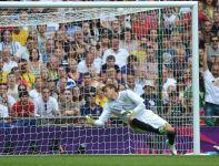 W taki sposób Oribe Peralta trafił po raz drugi (fot. Getty Images)