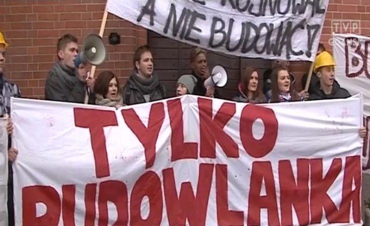 """Protest uczniów słupskiej """"Budowlanki"""""""
