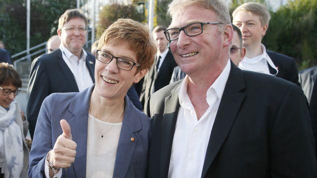 CDU skorzystała na popularności bliskiej współpracownicy Merkel – Annegret Kramp-Karrenbauer  (fot. EPA/RONALD WITTEK)