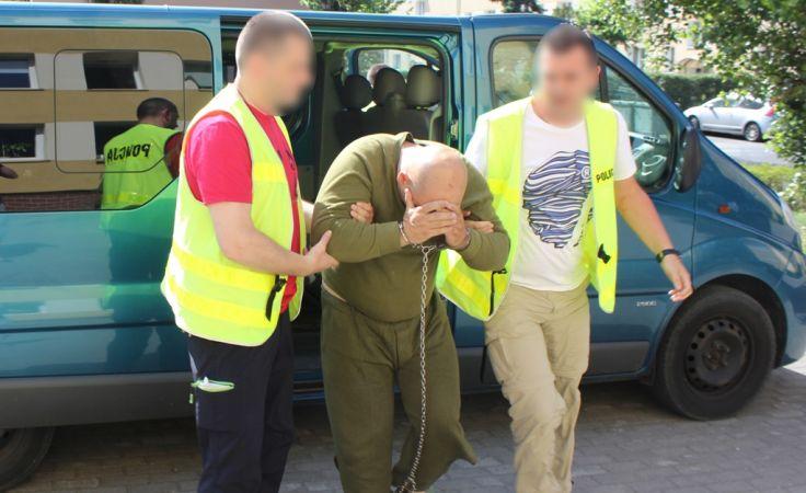 43-latek został zatrzymany za usiłowanie zabójstwa żony (fot. KMP Toruń)