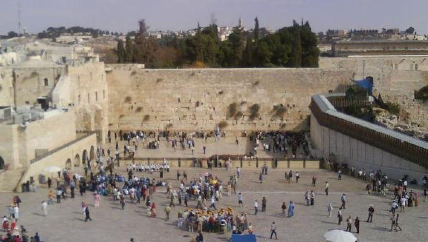Minister bezpieczeństwa publicznego Izraela Gilad Erdan poinformował po ataku, że pochwala policjanta, który szybko zareagował i zabił napastnika, zapobiegając tym samym większej liczbie rannych (fot. flickr.com/mark francis rivera)