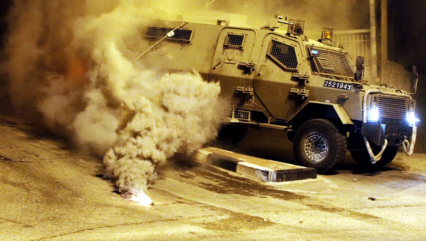Starcia Palestyńczyków z policją po zabójstwie nastolatka (fot. PAP/EPA/ABED AL HASHLAMOUN)