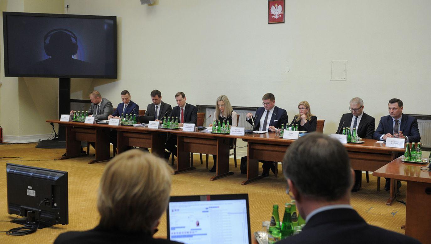 Komisja śledcza ds. Amber Gold  (fot.  PAP/Marcin Obara)