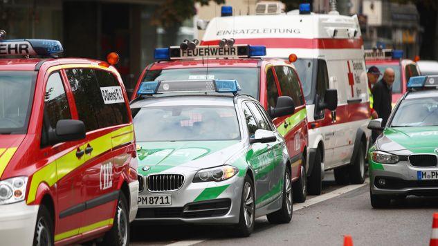 Przed uderzeniem w ścianę domu autobus nie hamował (fot. REUTERS/Michael Dalder)