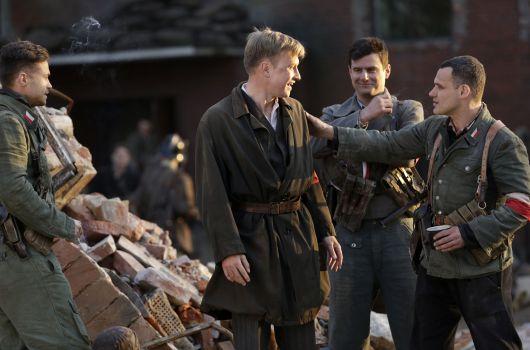 """Bohaterowie """"Czasu honoru - Powstanie"""" (fot. M.Zielska)"""