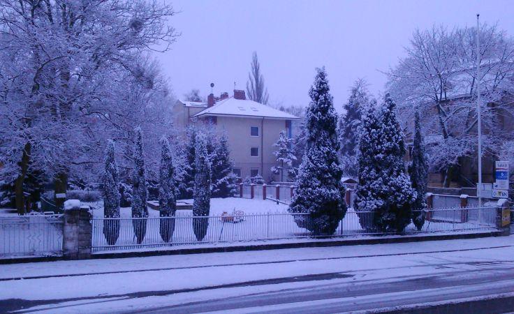 Spadł śnieg. Są pierwsze utrudnienia