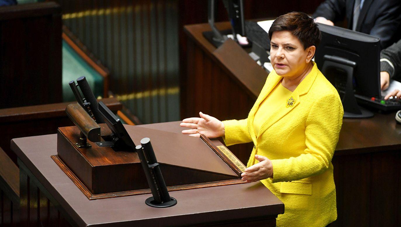 Premier Beata Szydło podczas wystąpienia w Sejmie (fot. PAP/Bartłomiej Zborowski)