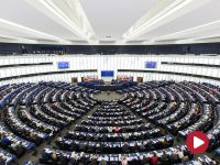 Sasin: to lider Nowoczesnej zabiegał o debatę w Parlamencie Europejskim  13 grudnia. Petru zaprzecza