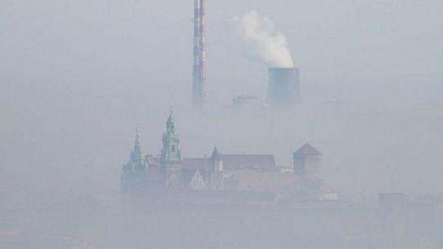 Ustawa antysmogowa podpisana. Samorządy zdecydują o paleniu węglem