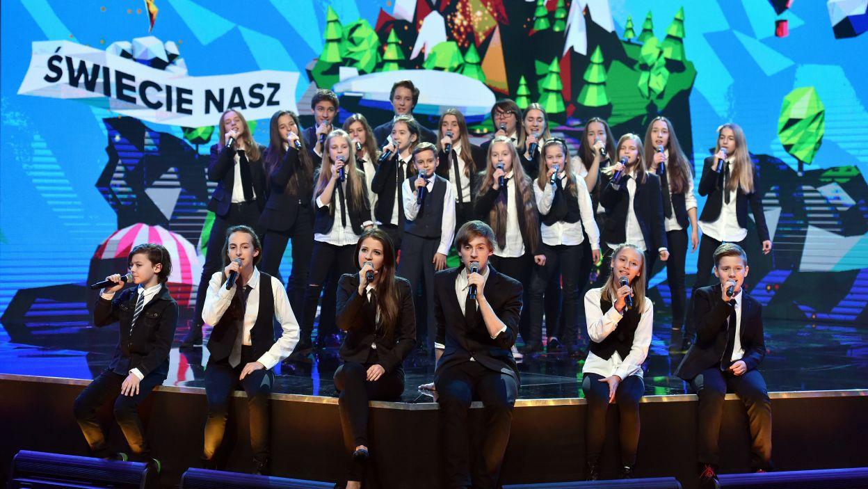 """""""Świecie nasz"""" wykonały dzieci z Warsztatowej Akademii Musicalowej (fot. Ireneusz Sobieszczuk)"""