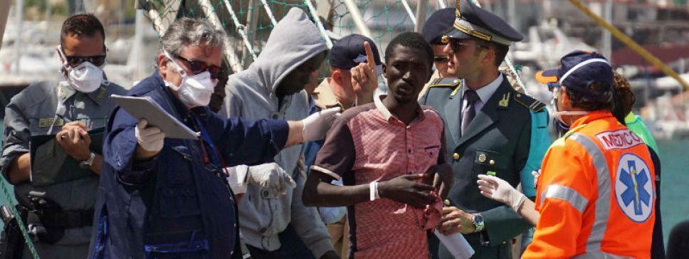 Od początku tego roku do Włoch przybyło około 40 tys. migrantów (fot. PAP/EPA/CESARE ABBATE)