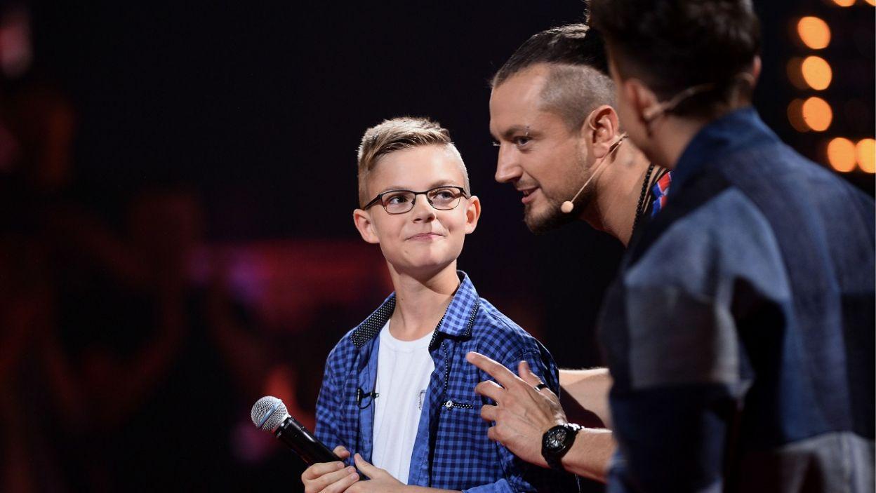 Michał Gołębiowski to dwunastolatek o wielu talentach. A jak Trenerzy ocenili jego śpiew? (fot. TVP/I. Sobieszczuk)