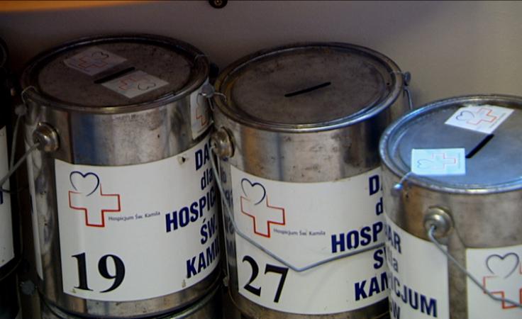 Wolontariusze z puszkami będą zbierać pieniądze na hospicjum