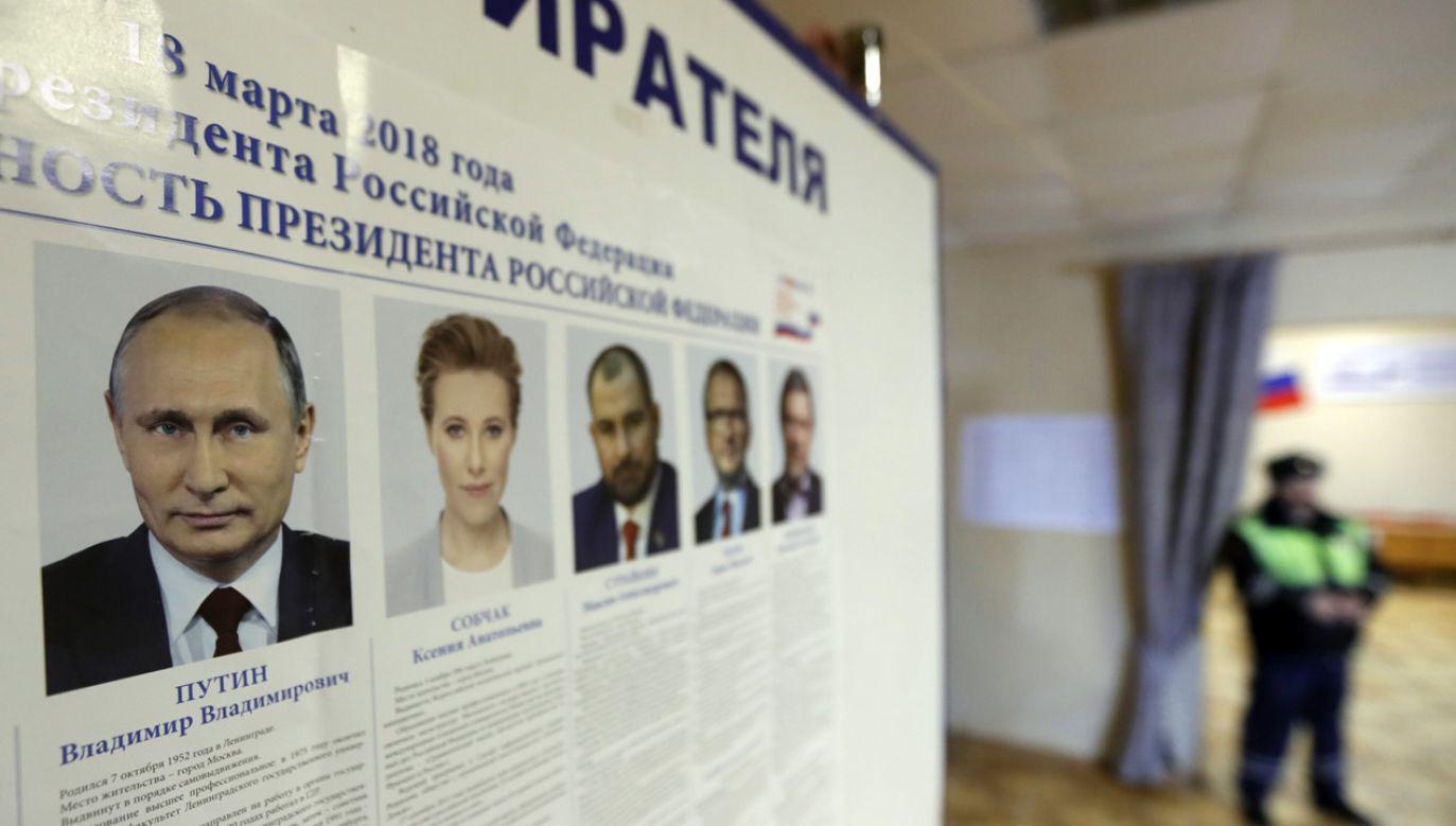 Wybory zaczkończą się w niedzielę o godz. 19.00 czasu polskiego (fot. PAP/EPA/YURI KOCHETKOV)
