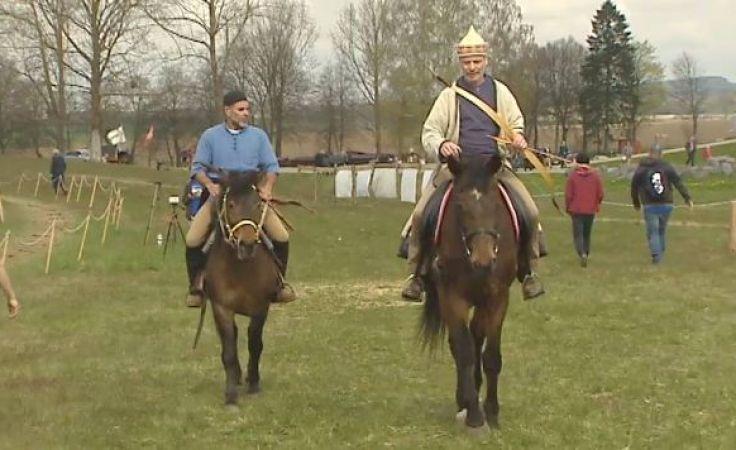 Konie, łuki i strzały, czyli majówka w siodle na polach Grunwaldu