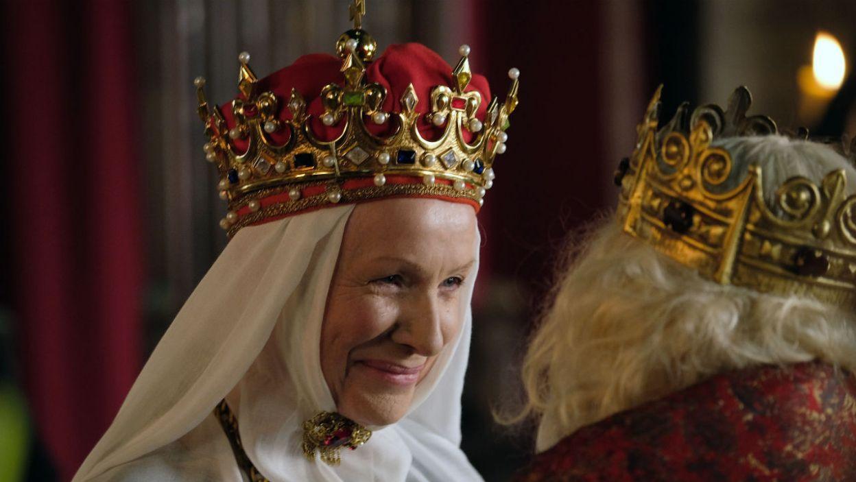 Król wraca z kampanii zwycięski. Szczęście nie trwa długo, władca traci siły i choruje  (fot. Marcin Makowski/TVP)