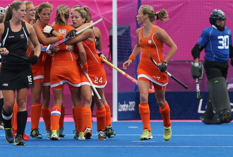 Holenderki cieszy się po zwycięstwie nad Nową Zelandią (fot. PAP/EPA)